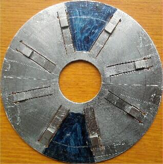 8 лучей, по 1 магниту поперёк полоски в каждом луче